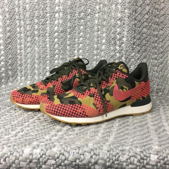 pretty nice ce37f ea3be Nike Internationalist Premium Camo Print. M5ba67a17c9bf509e2dab67f7